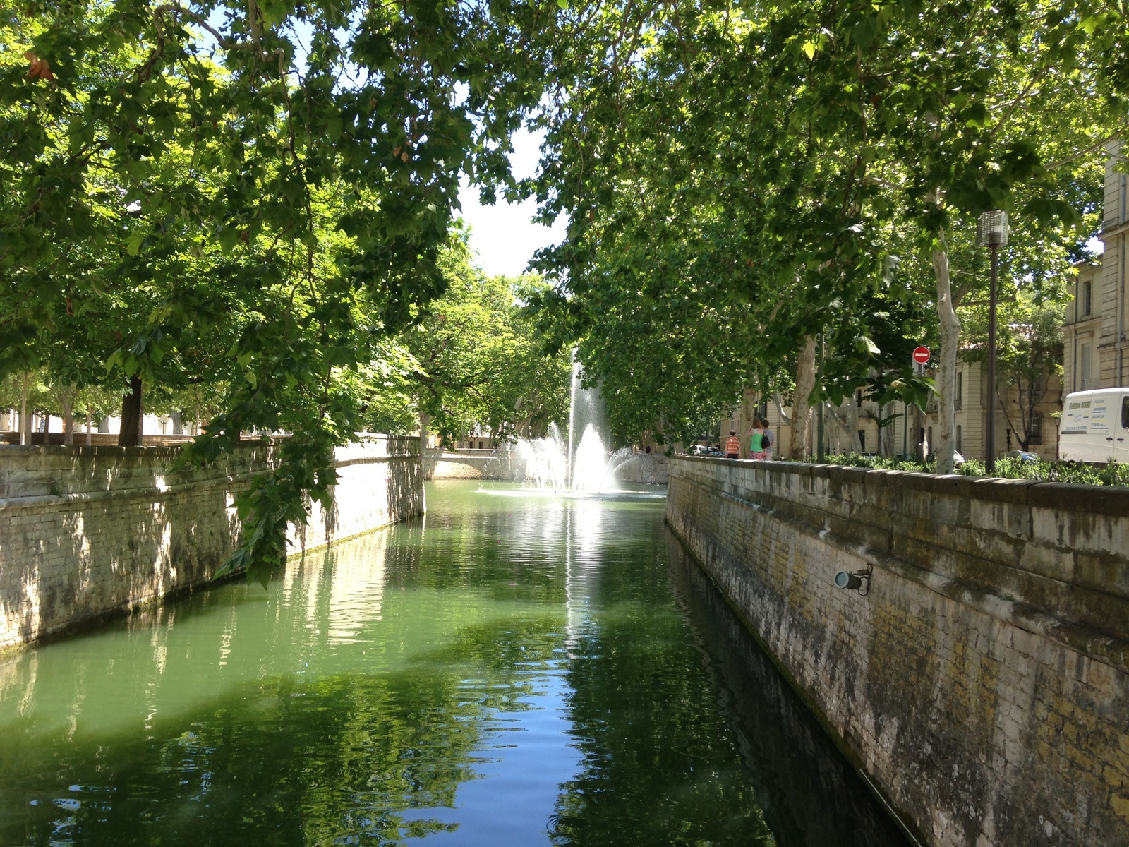 Le jardin de la fontaine n mes the south of france for Le jardin zen nimes