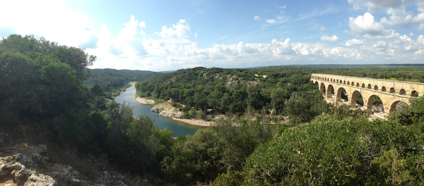 Panoramic view of the Pont du Gard