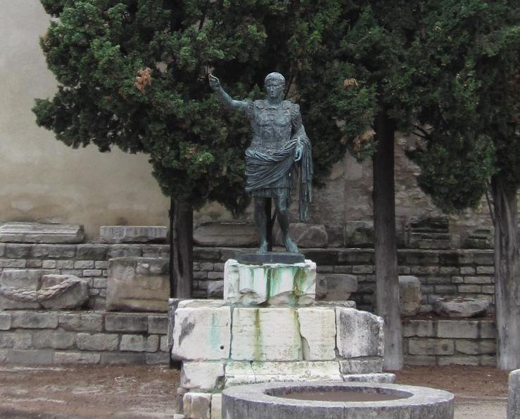 Nîmes, Porte d'August